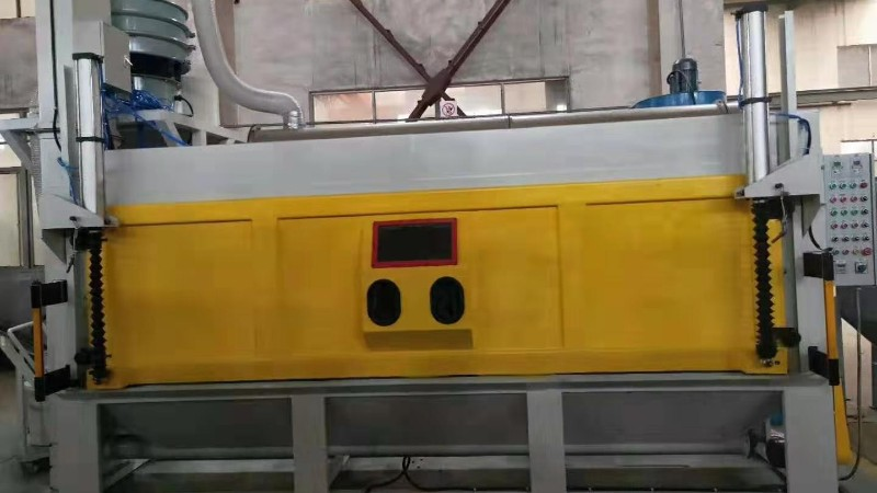 青岛海尔集团非标定制的注塑机挤出螺杆清理自动喷砂机已发货!